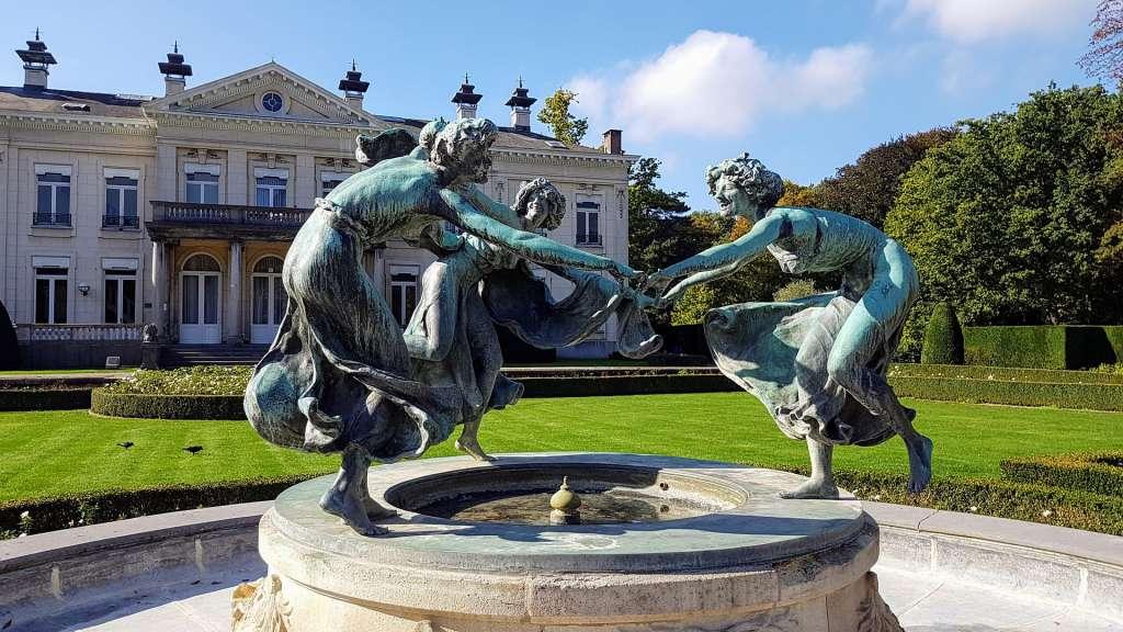fontaine de jardin en fonte